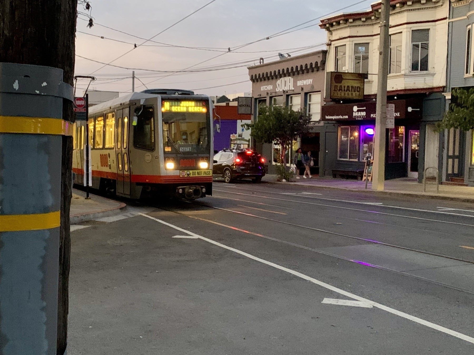 N Judah Train on 9th Ave